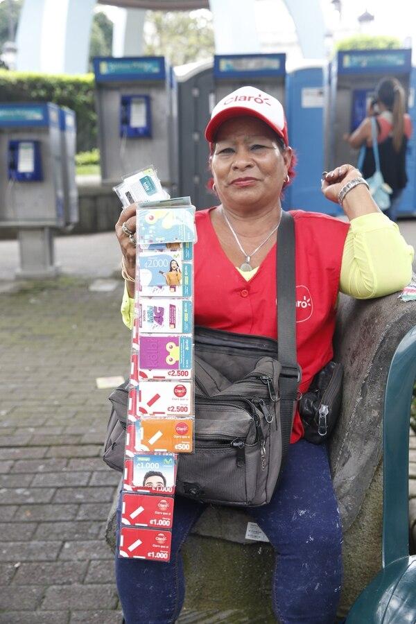 Doña Concepción Tenorio es la señora de las tarjetas de Chepe. Foto Adrián Soto.