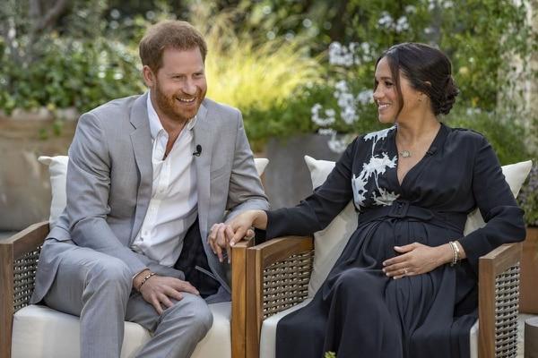 Durante la entrevista la pareja reveló que su segundo hijo será una niña. AFP.