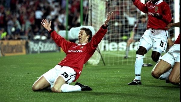 Así celebró Solskjaer su gol en la gran final de 1999. Foto: Ben Radford /Allsport