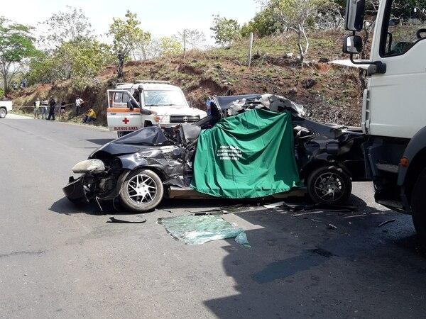 La invasión de carril es la segunda causa de choques en Costa Rica. Foto Alfonso Quesada / Archivo.