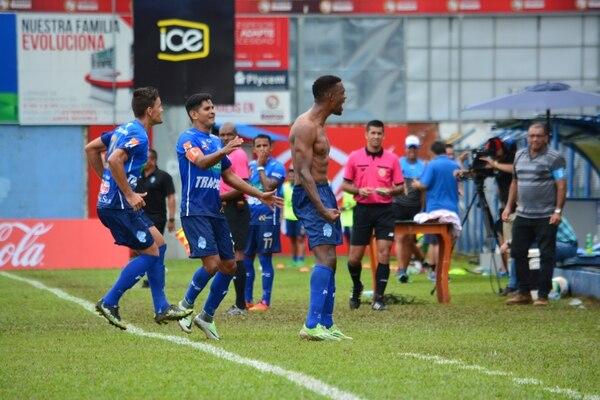 Josué Mitchell hasta se quedó sin chema gritando su gol con los generaleños. Mario Cordero.
