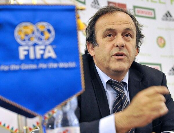 Platini asegura que lo dicho por Blatter es mentira. AFP