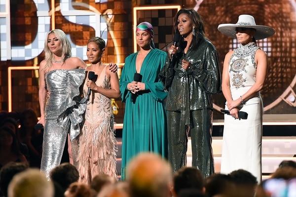 Michelle Obama volvió a ganarse el cariño de todos con su presencia en los Grammy. AFP