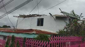 (Video) Torbellino destecha varias casas en La Unión de Cartago