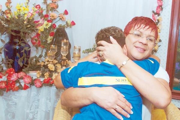 Esta mamá siempre le inculcó a su hijo la fe católica.