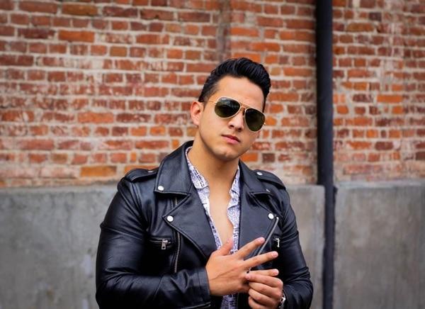 El cantante nacional Armando Infante recién acaba de estrenar