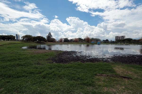 En marzo esta parte del lago estaba seca, ya se nota el cambio. Foto Alonso Tenorio.