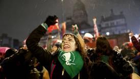 El aborto legal entra a regir en Argentina