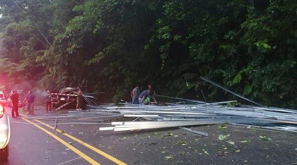 Luis Diego falleció por los golpes de los materiales de construcción que llevaba en su camión. Foto: Cortesía