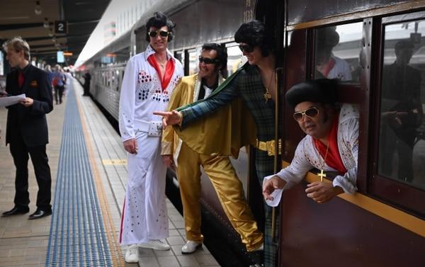 Los imitadores de Elvis viajan de todas partes del mundo para disfrutar del evento. AFP.