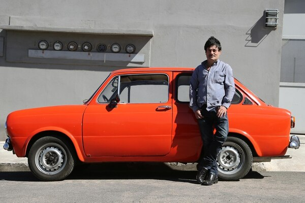 Don Johnny no cambia por nada su chuzo Fiat Tigrillo de 1974. Foto: Albert Marín.