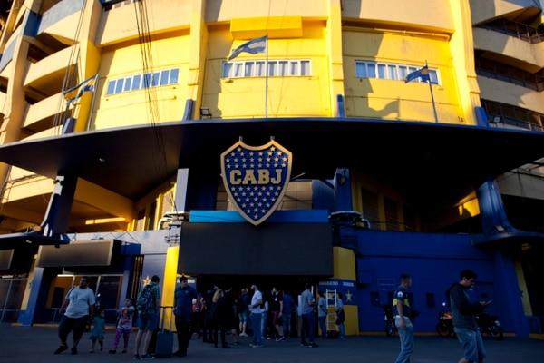 La Bombonera será sede del primer juego entre Boca y River por una final de la Copa Libertadores. AP
