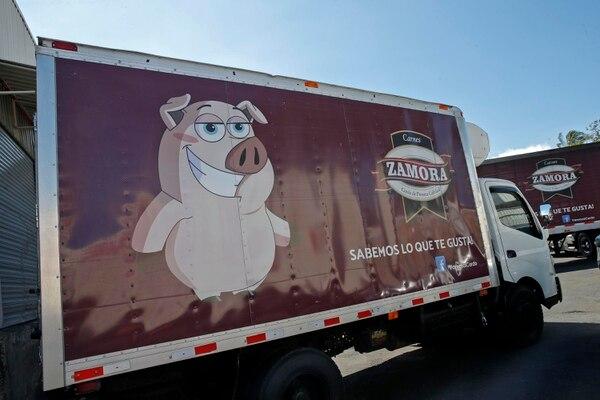 Este miércoles se llevó a cabo un acto oficial en la sede de Carnes Zamora en Barrel de Heredia. donde se presentó el primer contenedor con carne de cerdo que se exportará a China. Fotos: Mayela López