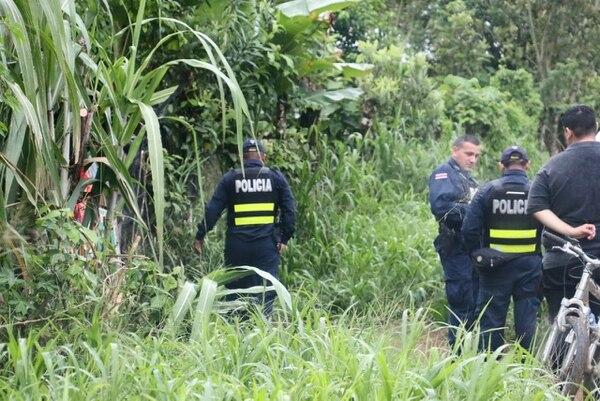 El cuerpo de Mejías estaba arrecostado al portón de su propiedad. Foto: Reiner Montero