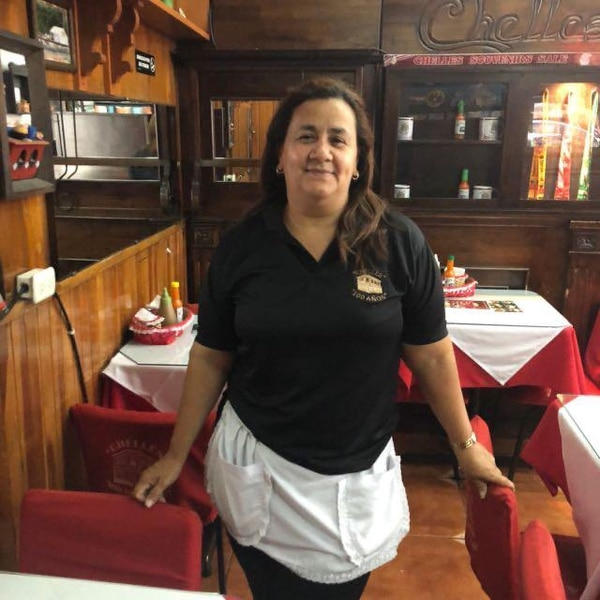 Eida Torres fue dueña de Chelles por 12 años, antes trabajó allí como salonera.