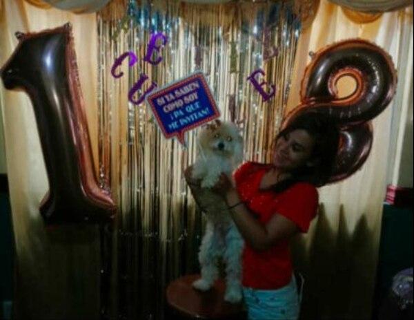Cuando Allison cumplió 18 años a Luna la emperifollaron toda porque fue invitada especial en la fiesta. Cortesía.