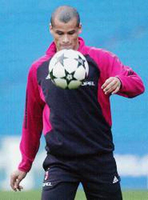 Rivaldo fue campeón del mundo con Brasil y brilló en clubes como el Barcelona y el Milán. Foto: Archivo.