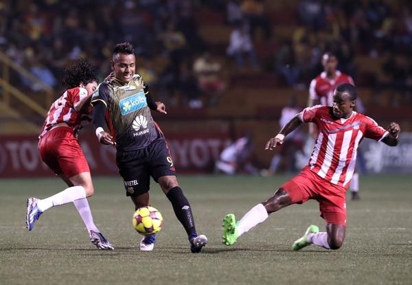 Julio empezó a mostrar su talento ante los florenses en un amistoso de pretemporada con el Árabe Unido el 29 de junio. Foto: John Durán.