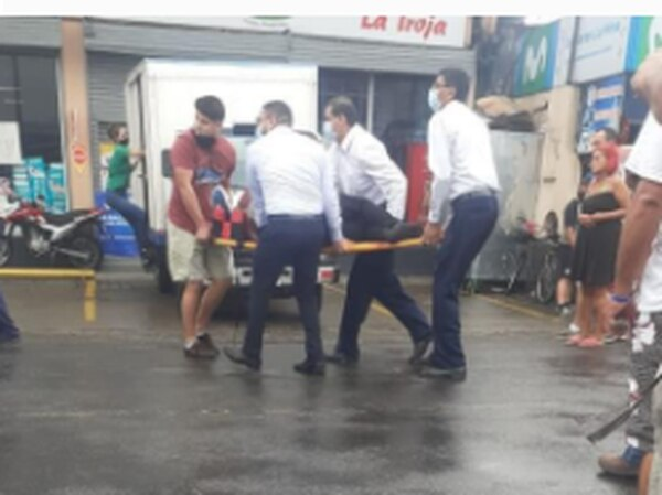 El tiroteo ocurrió en el Banco Nacional de Río Frío, Sarapiquí. Foto: Cortesía LT