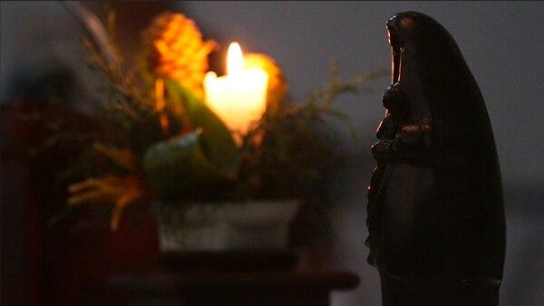 El documental cuenta con testimonios de milagros que romeros dicen haber recibido por la intercesión de la Virgen de los Ángeles. Cortesía.