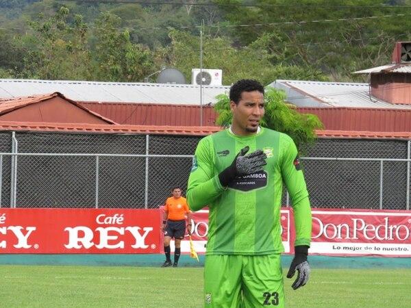 Esteban Alvarado debe levantarse y demostrar su calidad en próximos partidos, según Nino Chaves. Prensa Jicaral