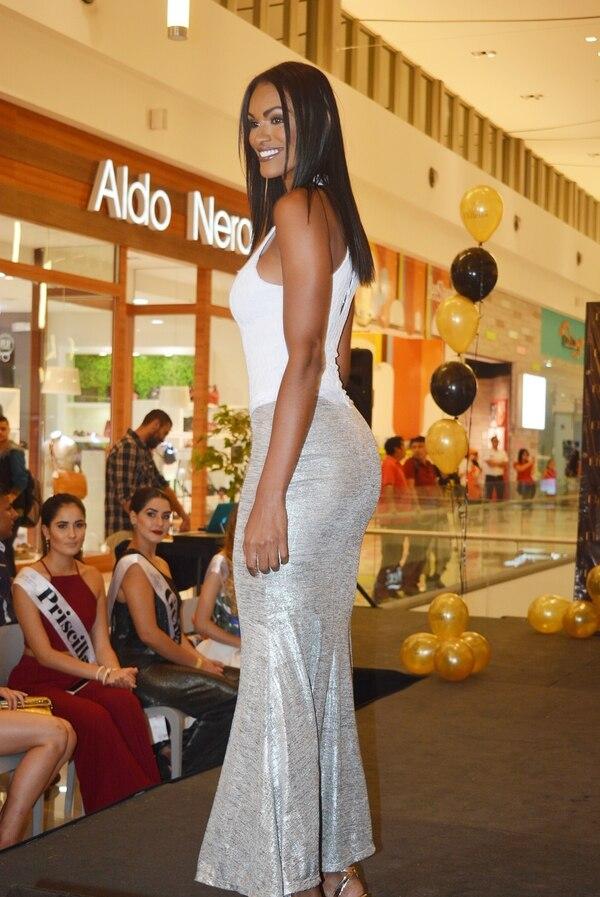 Kimberly Richardson fue otra de las modelos experimentadas que participó en la inauguración de la tienda. Foto: Shirley Vásquez
