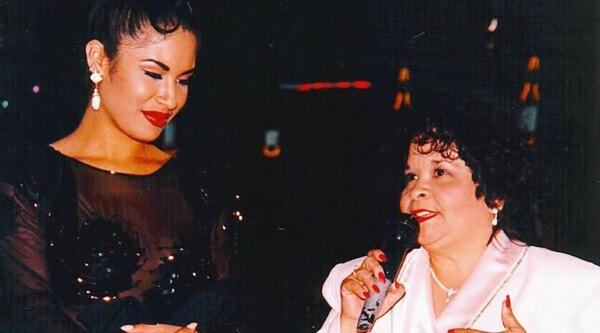 Yolanda Saldívar (derecha) era la presidenta del club de fans de Selena. Foto: Tv y Novelas