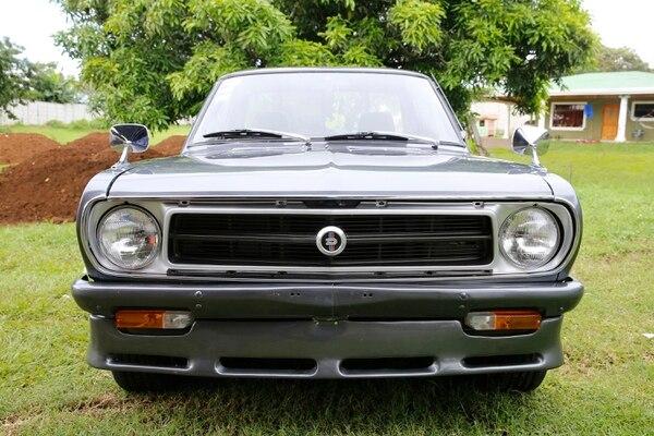 El Nissan ha llevado a Jonathan a cuanto lugar de Costa Rica se puede imaginar. Foto: Albert Marín.