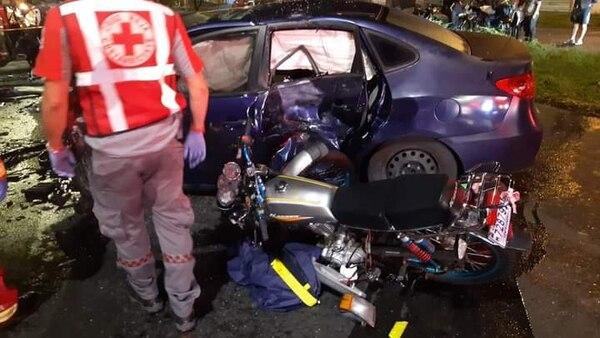 El accidente se dio entre dos carros y una moto. Foto: Cortesía