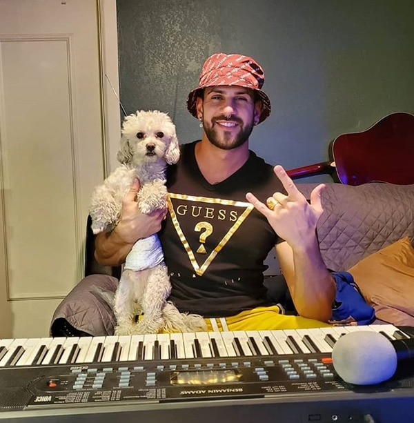 Bryan contó que ahora está muy metido en la música y componiendo. Instagram