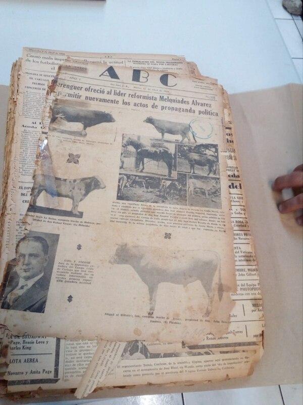 El ABC de 1930 luce así, pero espera quedar rejuvenecido luego de pasar por las manos de los doctores de los libros. Foto: Franklin Arroyo.