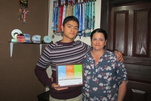 Todo un ganador, tiene muchísimas medallas en casa gracias al apoyo de su madre. Foto: Keyna Calderón