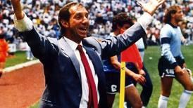 Carlos Bilardo, técnico de Argentina en México 86, tiene coronavirus