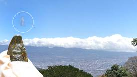 Negrita se apareció en una nube mientras hacía recorrido en helipcótero