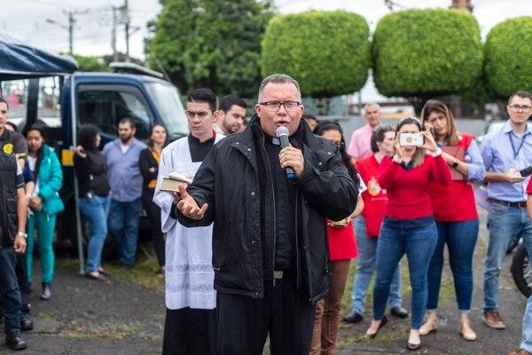Nuestro más sentido pésame al padre Sergio por su perdida. Fotografía: José Cordero