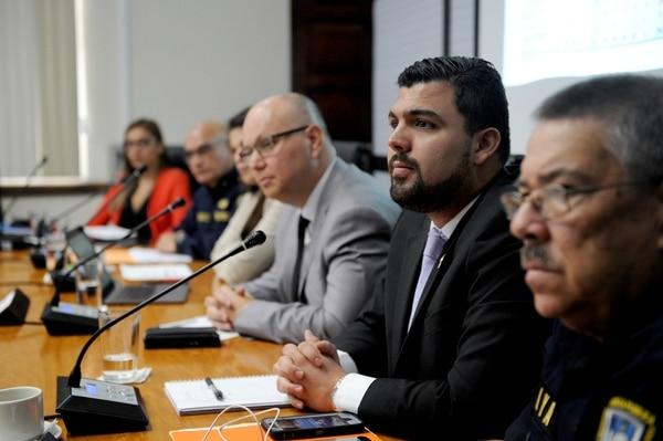 Los jerarcas de Seguridad pidieron a los diputados que aprobaran el proyecto de ley. Foto Melissa Fernández.