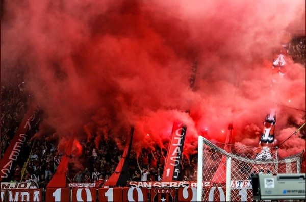La Liga considera tener actualmente una gran relación con La Doce para poder erradicar la violencia. Fotografía: Rubén Murillo / Prensa Alajuelense
