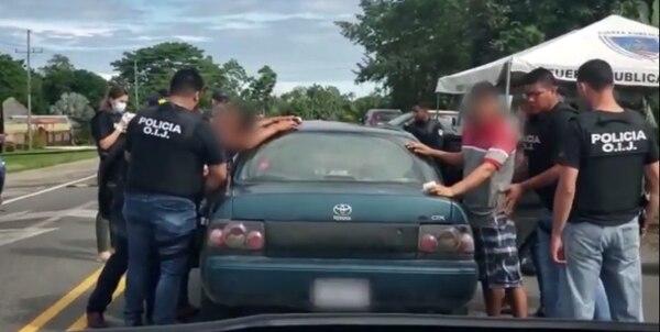 Los sospechosos viajaban en un carro por Paso Canoas. Foto: OIJ.