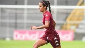 Jugadora saprissista Daniela Cruz le echa una mano a la lucha contra el covid-19