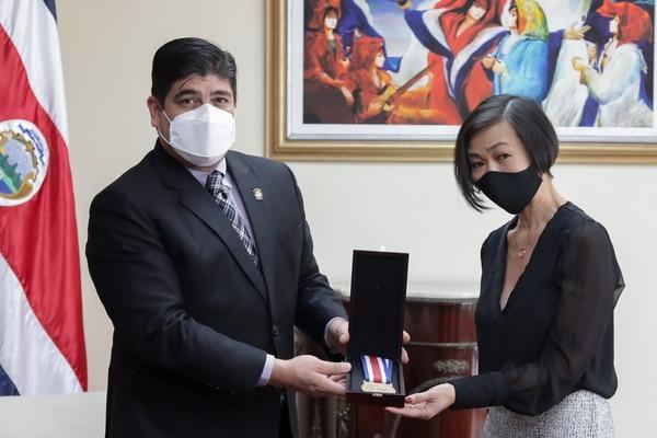 Entrega medalla al mérito en la paz y la democracia, a la CCSS Foto: Roberto Carlos Sánchez @rosanchezphoto
