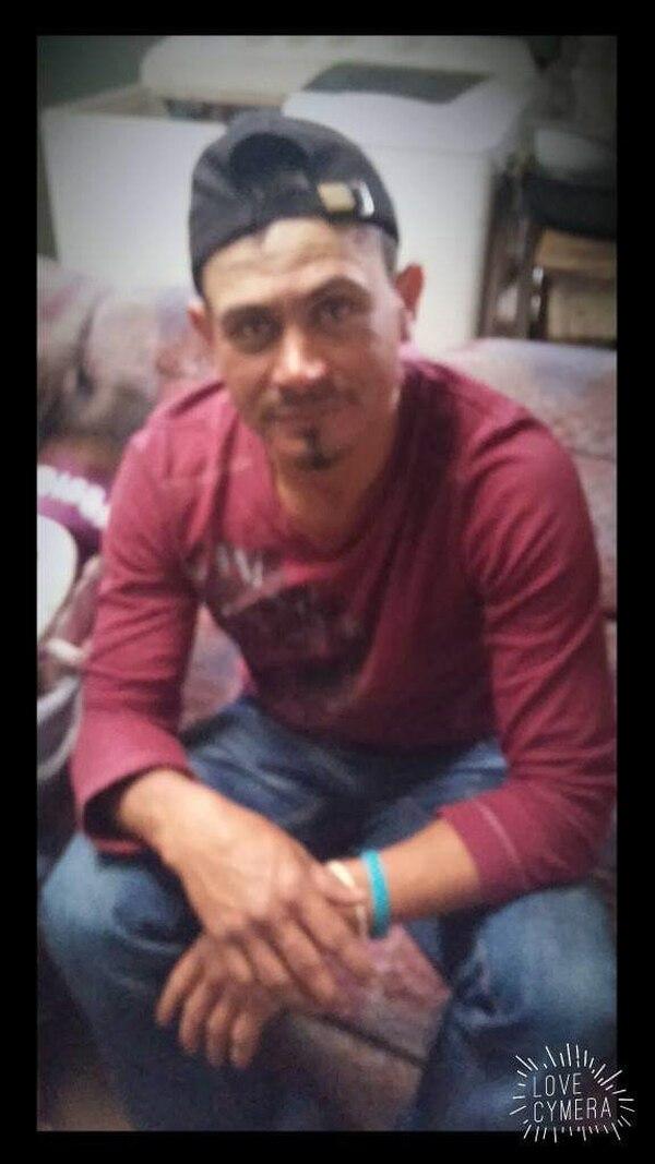 Óscar Ramírez Navarro, de 41 años permanece internado en el hospital Max Peralta de Cartago donde sigue luchando por su vida. Foto: Cortesía Elena Ramírez