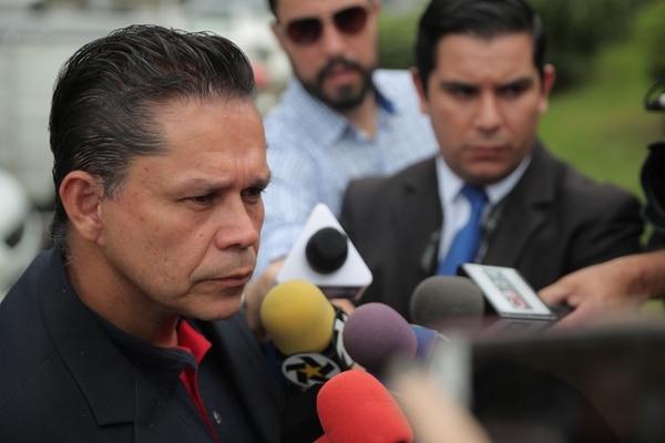 El presidente de ANDE, Gilberto Cascante firmó el documento junto con los miembros de la junta directiva del sindicato. Jeffrey Zamora.