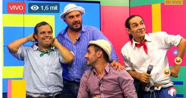 Dicen que desde que Mora insultó a los humoristas Juan Vainas y Chibolo tampoco tenía buen ambiente en Teletica. Facebook