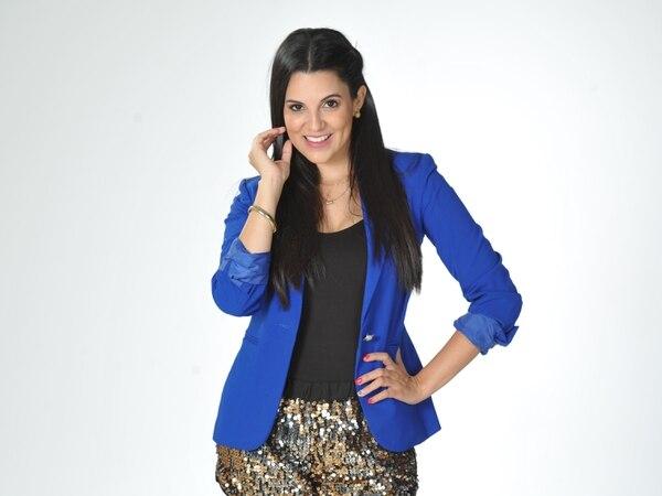 A Vanessa González la pueden contratar al 8335 0276. Foto: Marvin Caravaca