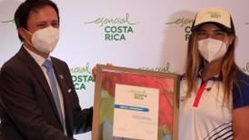 Surfista Brisa Hennessy entró a selecta lista de ticos embajadores ante el mundo