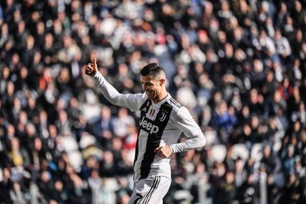 Cristiano Ronaldo no pudo llegar a los 50 goles en este 2018 y se quedó como escolta de Messi en los goleadores de este año. AFP