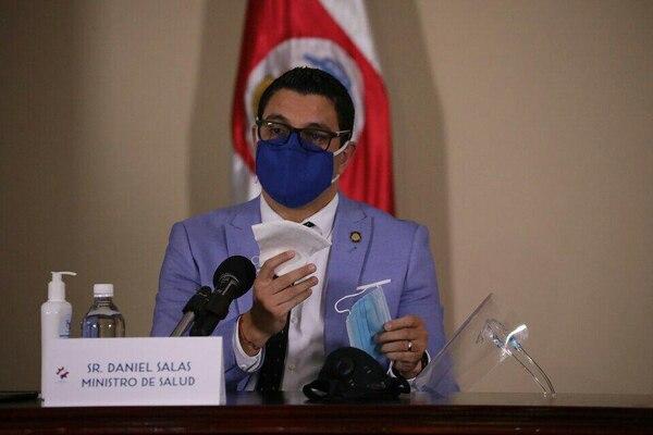 El ministro de Salud pidió a la gente ser responsable ante la apertura comercial. Foto: Cortesía.