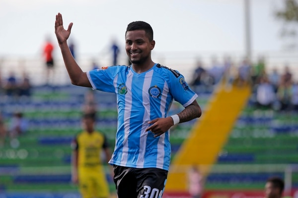Frank Zamora condujo al cuadro de la UCR, con su primer doblete en el actual torneo Apertura 2018. Foto Mayela López