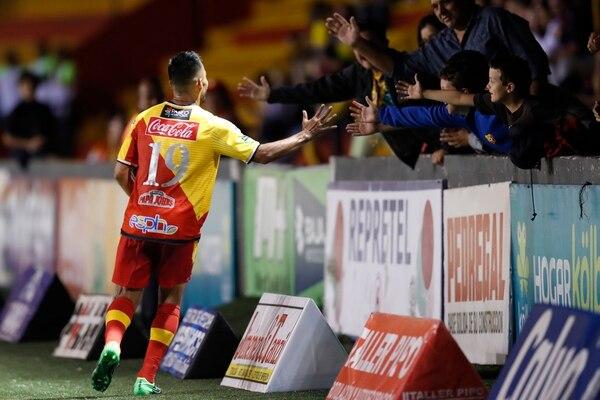 Con goles y esfuerzo, Arrieta se ganó a la afición del Team. Foto: José Cordero.
