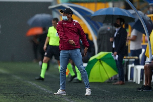 Centeno se mostró feliz porque su camerino tiene clara su idea de fútbol. Foto José Cordero.